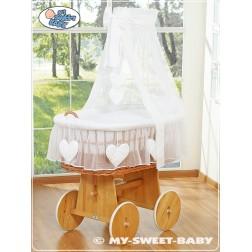 Proutěný koš na miminko SRDÍČKA - bílý