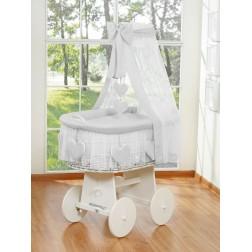 Bílý proutěný koš na miminko s nebesy SRDÍČKA 79582-523